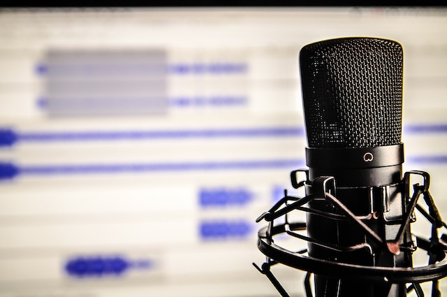 6 Reasons Why Listening To Podcasts Can Benefit Your Life